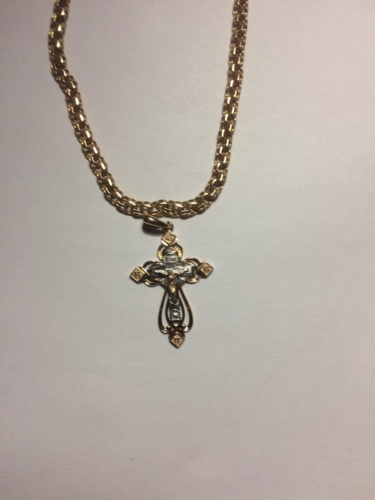 Крестик с бриллиантамис