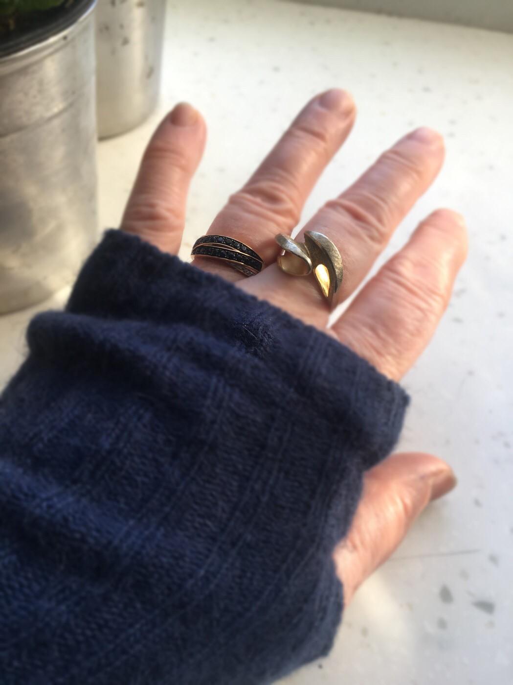 Кольцо с сапфирами -осознанная необходимость.