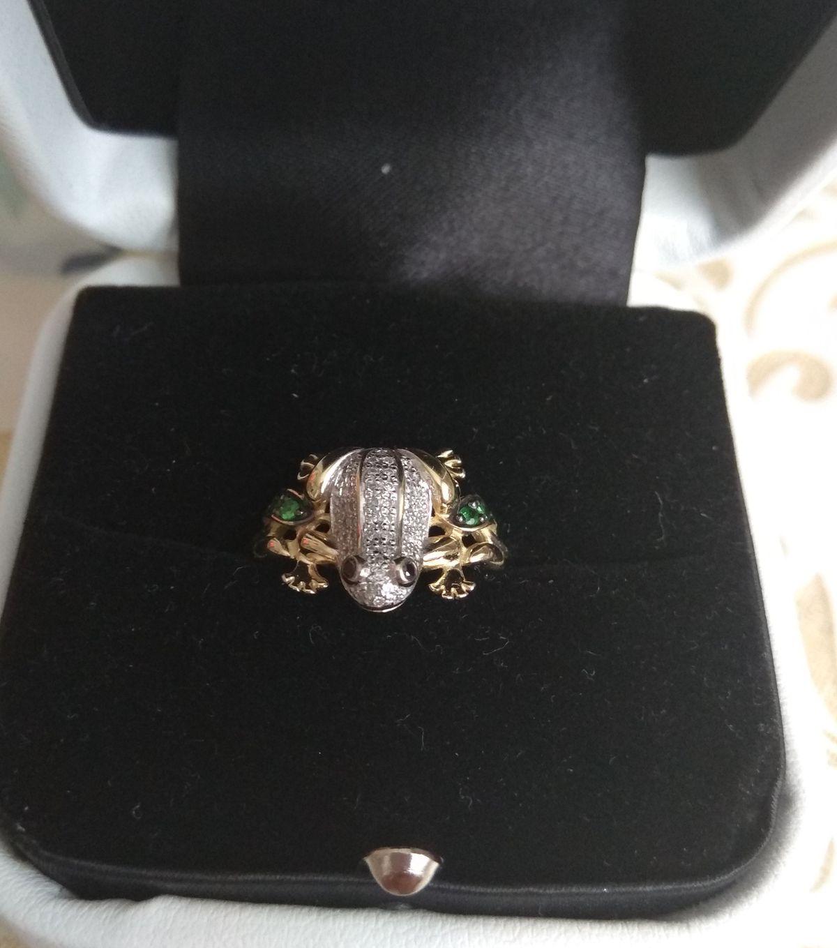 Бриллиантовый лягушонок!!!