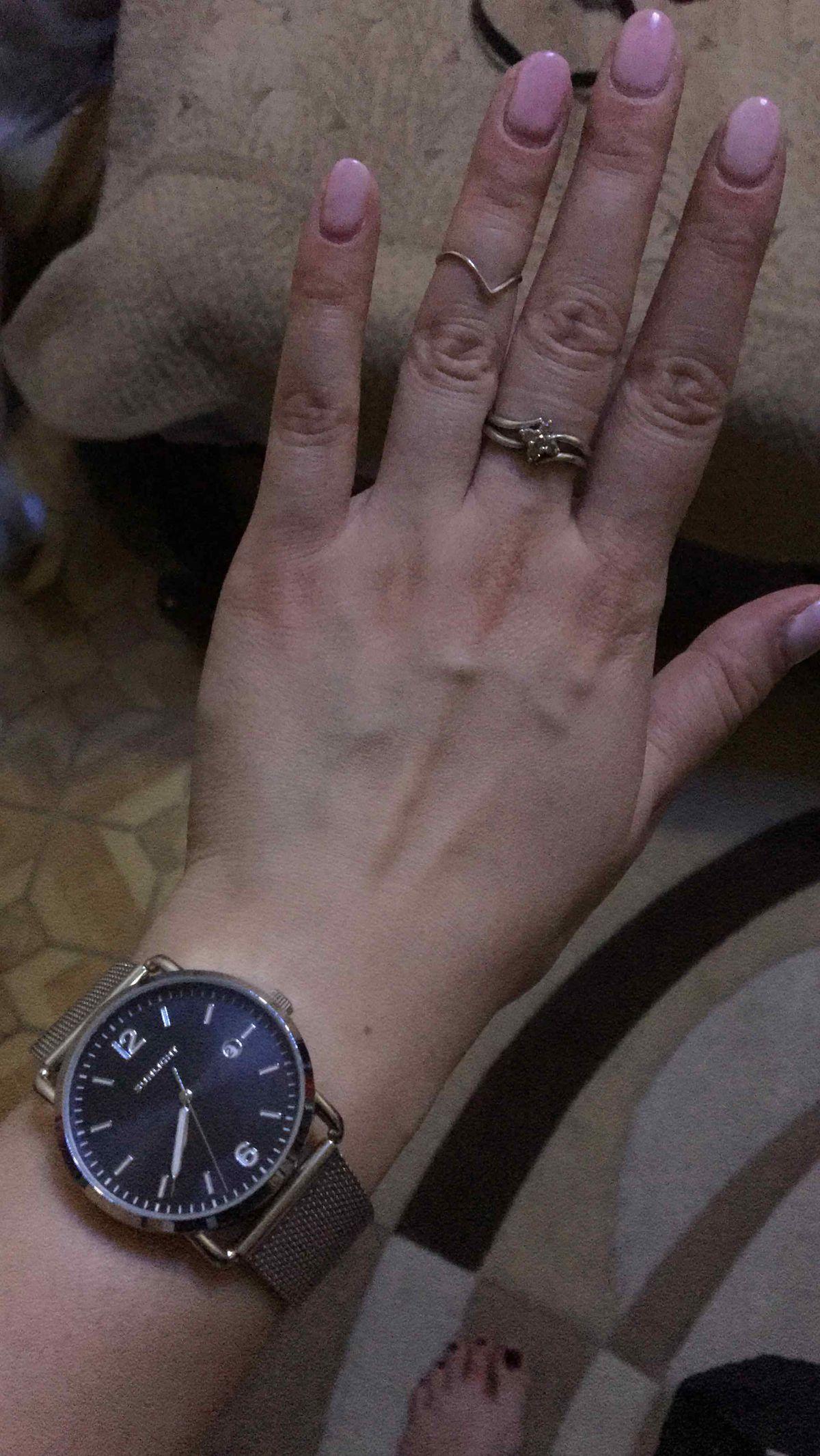 Универсальнве часы, которые подойдут практически к любому образу