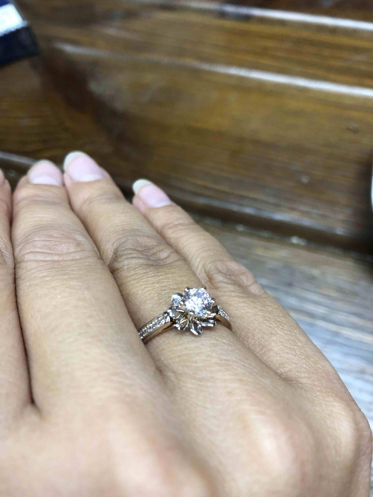 Кольцо с камнями Лотос