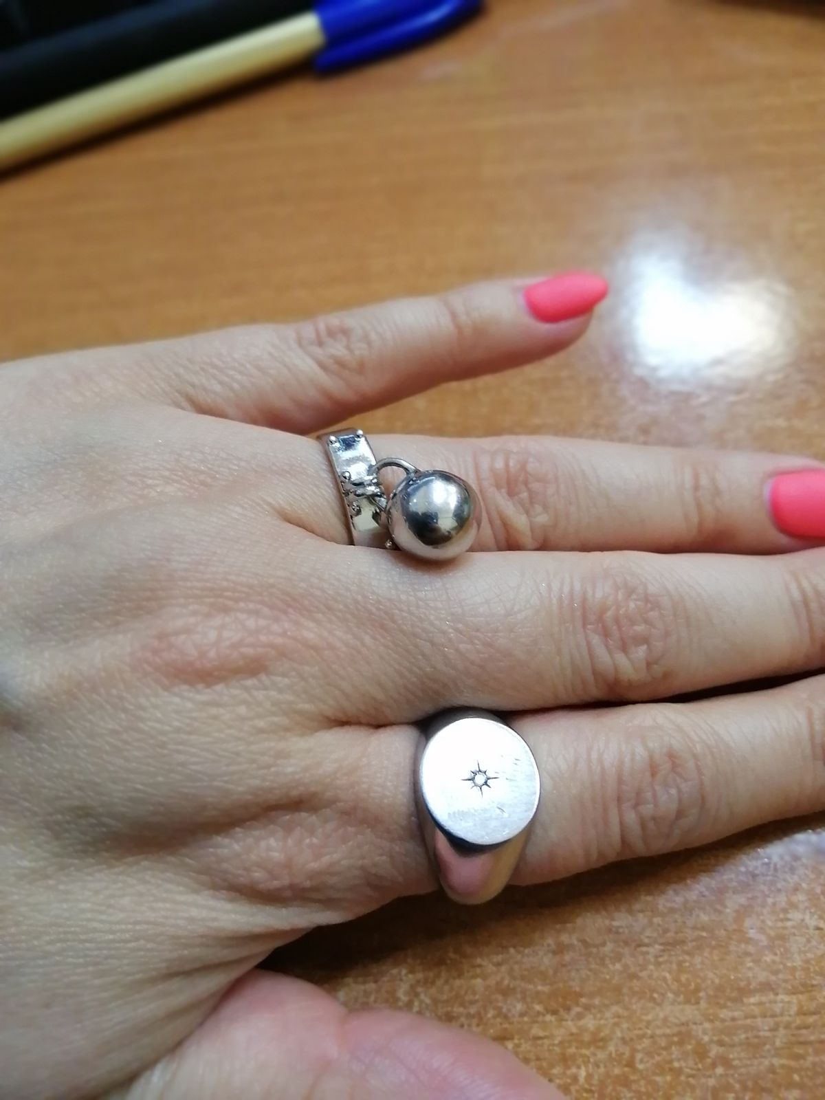 Модное кольцо-печатка