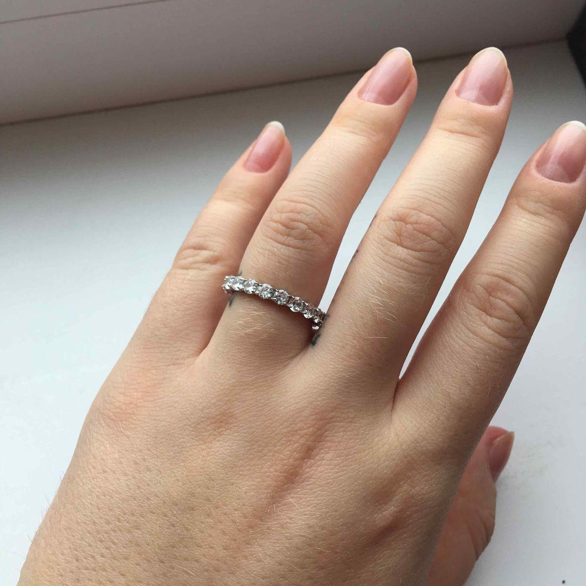 Шикарное серебрянное кольцо с фианитами💍