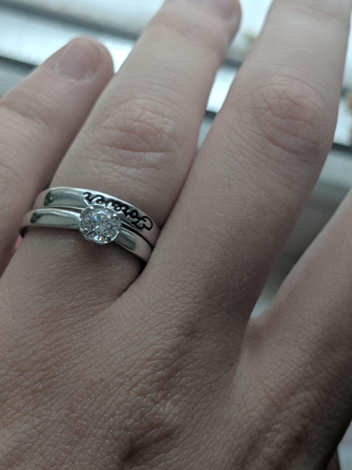 Милое, простое кольцо, но такое красивое.