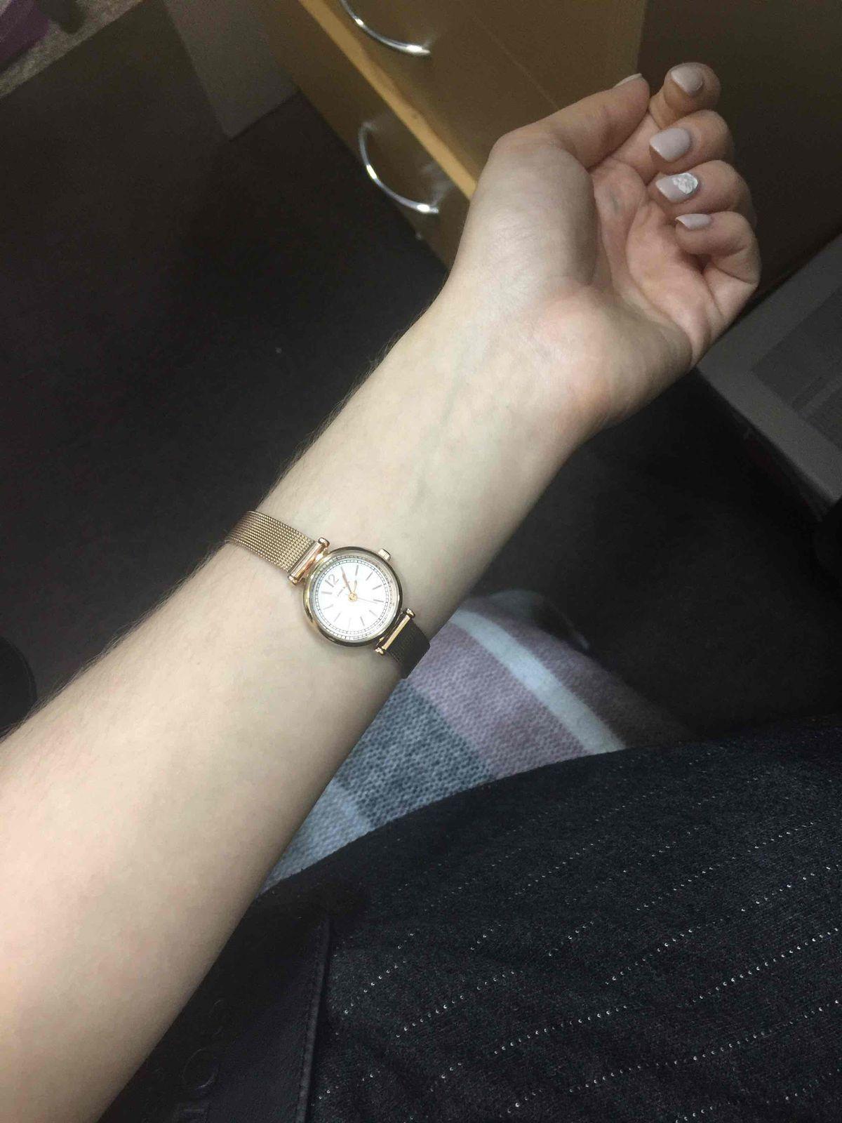 Часы очень удобные и красивые!