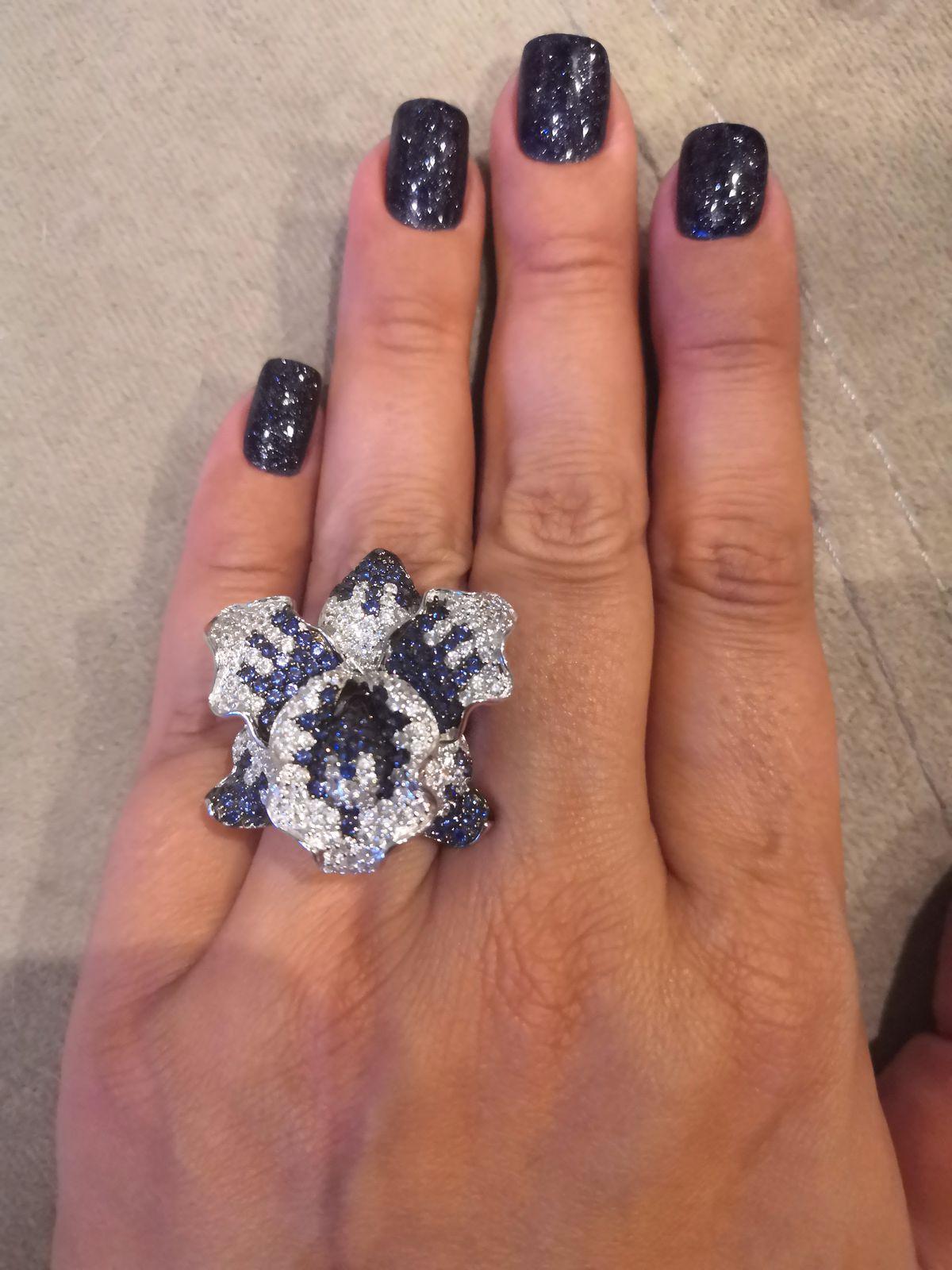 Потрясающее коктельное кольцо.