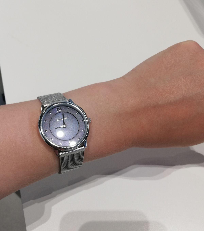 Красивые и удобные часы.