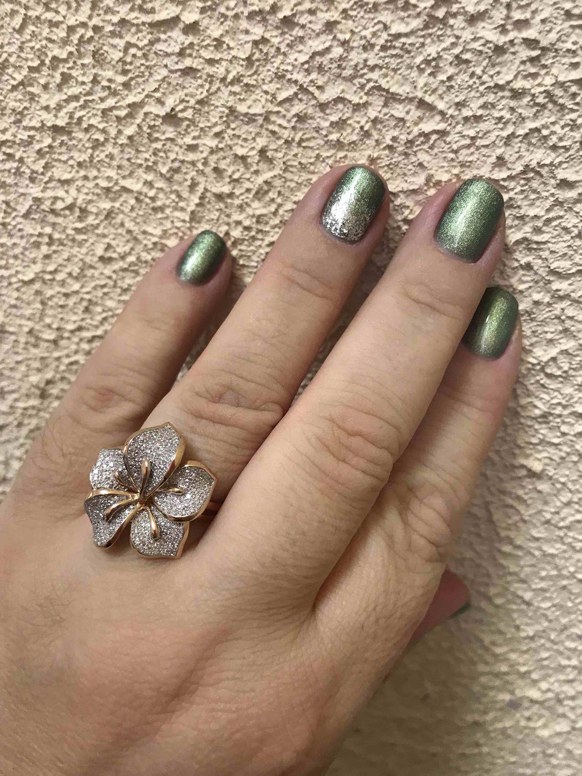 Оболденно красивое кольцо и смотрится богато, очень рада за такую красоту