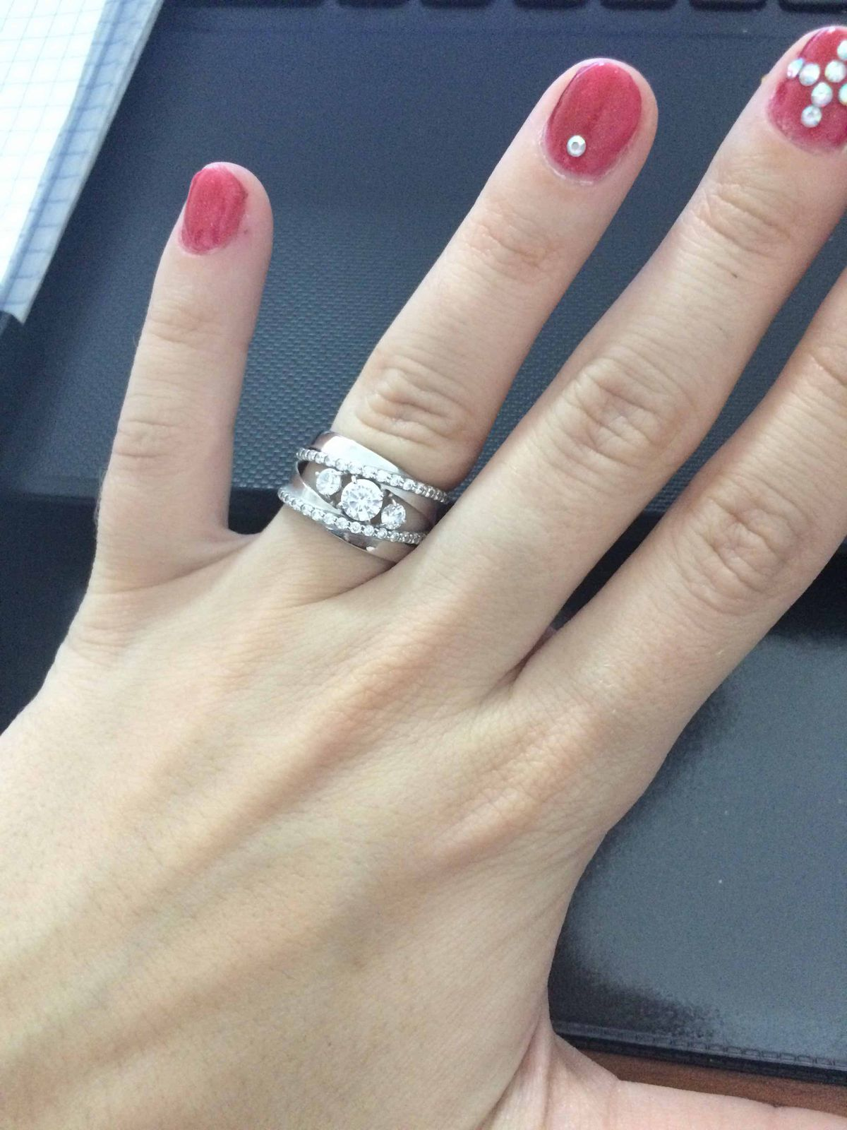 Серебряное кольцо соколов