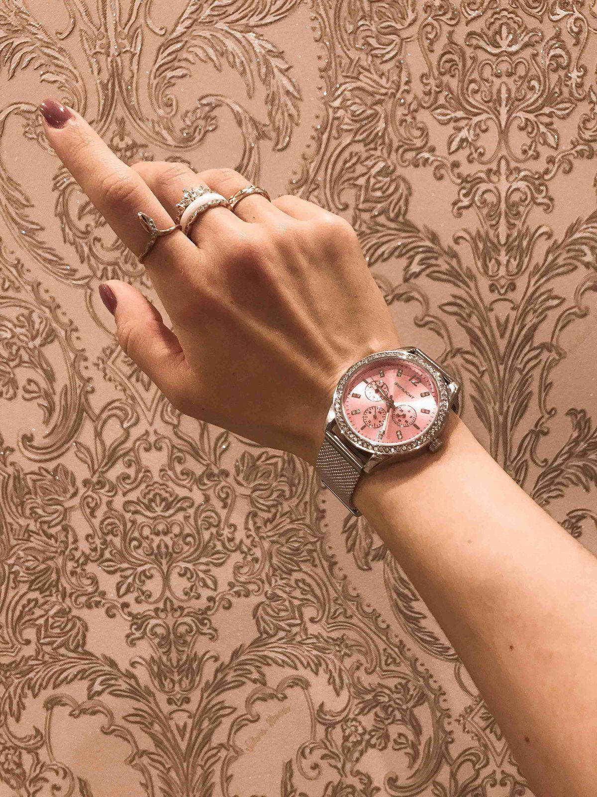 Ручные женские часы