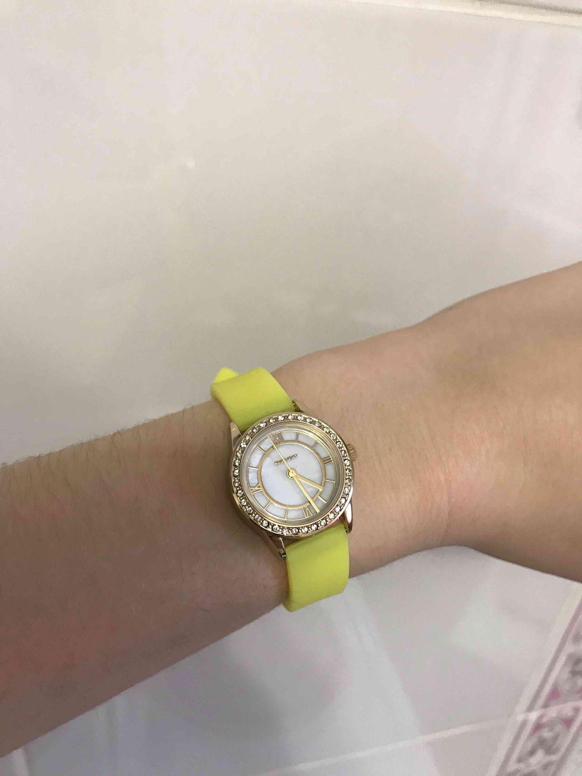Отличные часы для юной сестры!