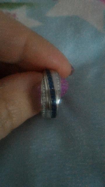 Серебряное кольцо с финансами.