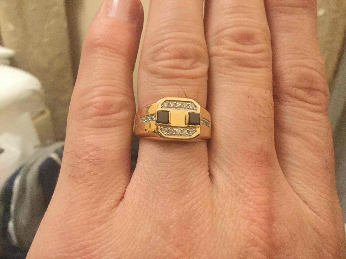 Перстень в подарок!