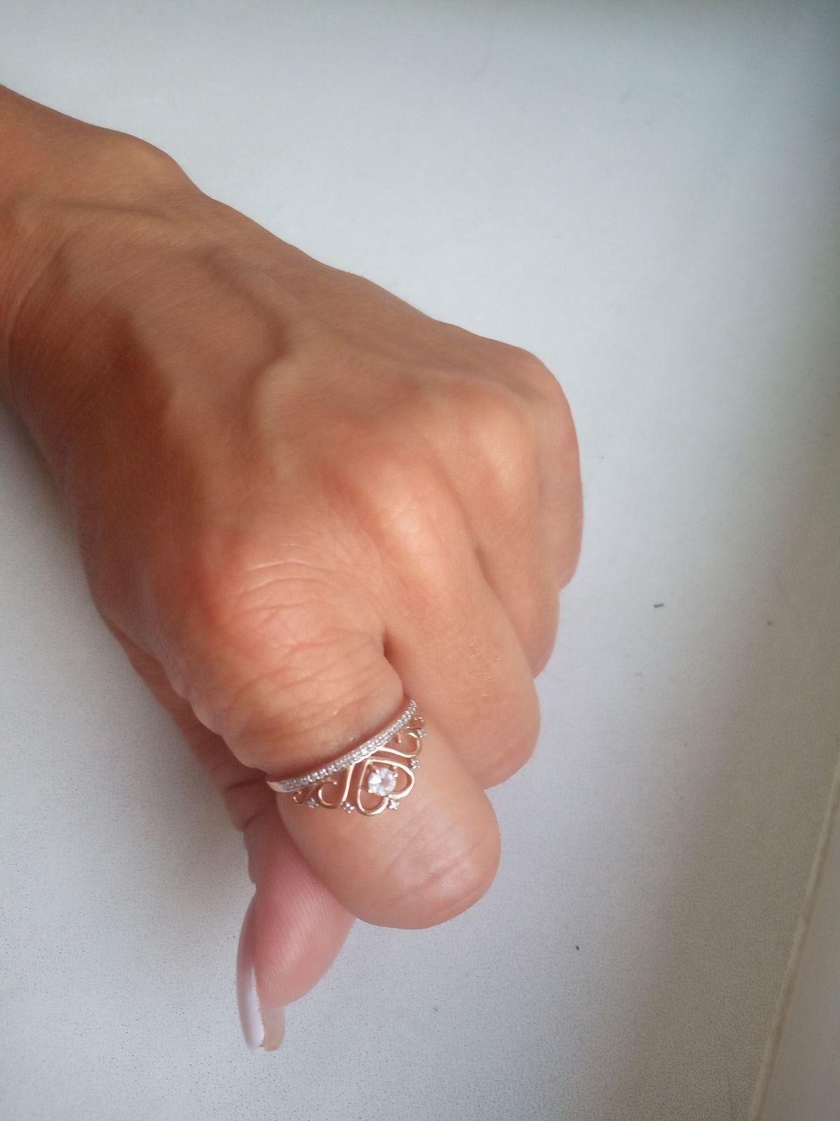 Золотое кольцо с топазом и бриллиантами из SL