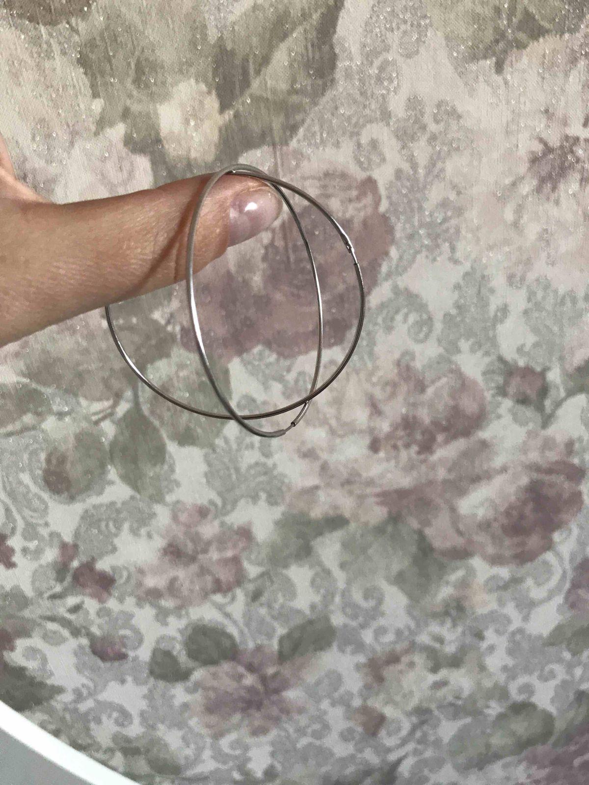 Серебояные серьги-кольца-это ваш пропуск в стильное и элегантное лето 2019!