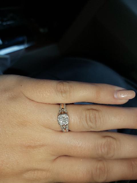 Кольцо нереальной красоты!!!