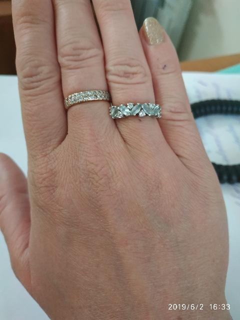 Красивое кольцо,но со временем первоначальный блеск пропадает