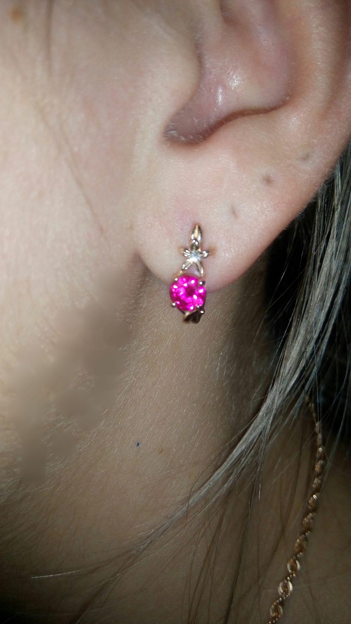 Серьги с рубином и бриллиантом