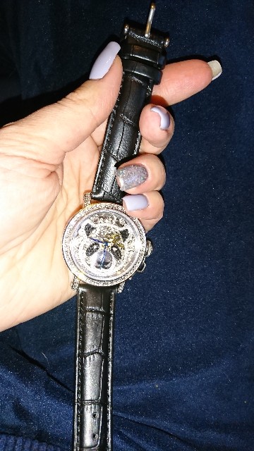 Часы со стразами