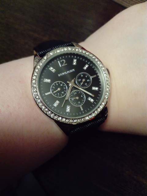 Очень стильные, красивые часы!