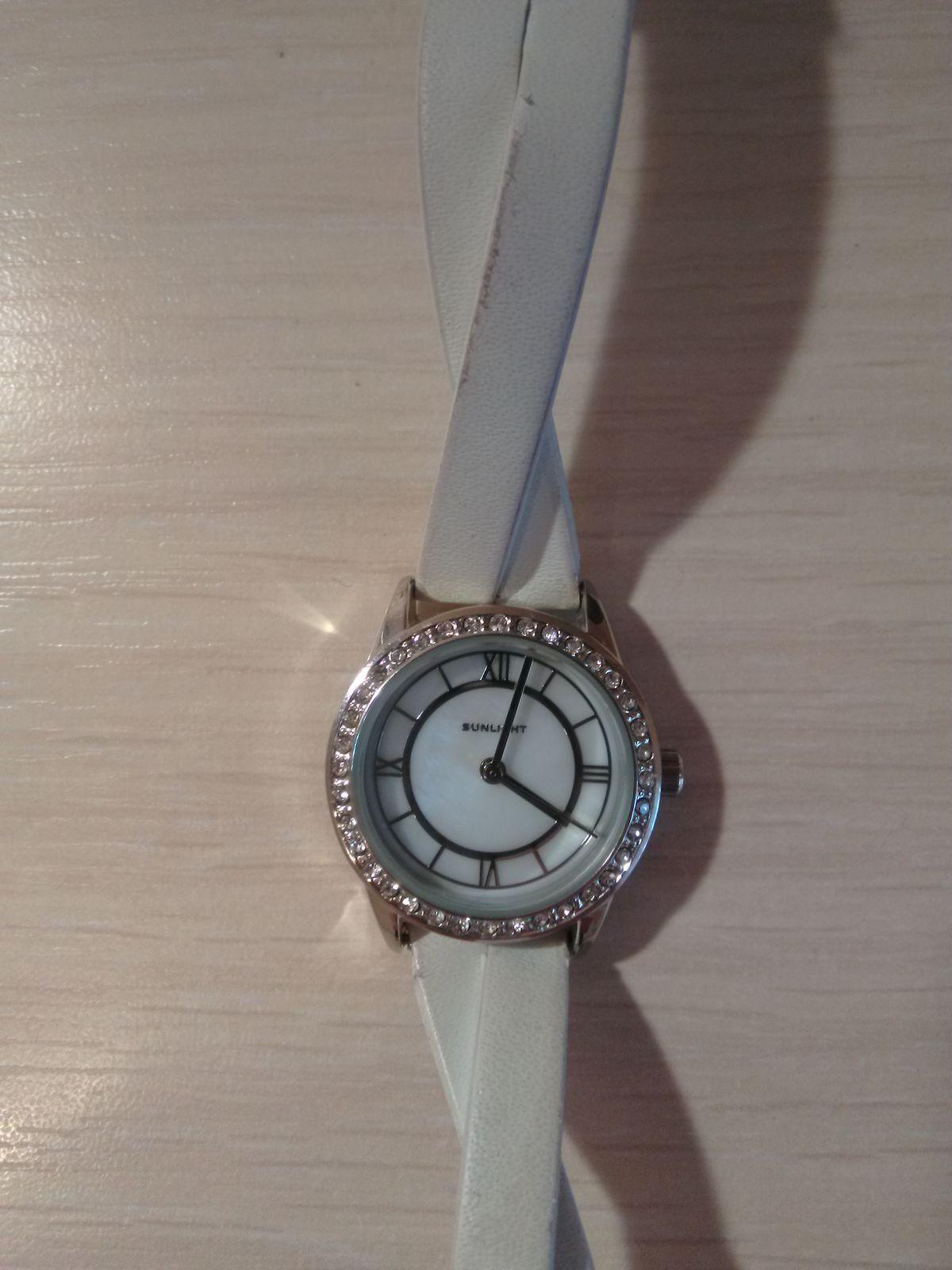 Женские часы с кристаллами