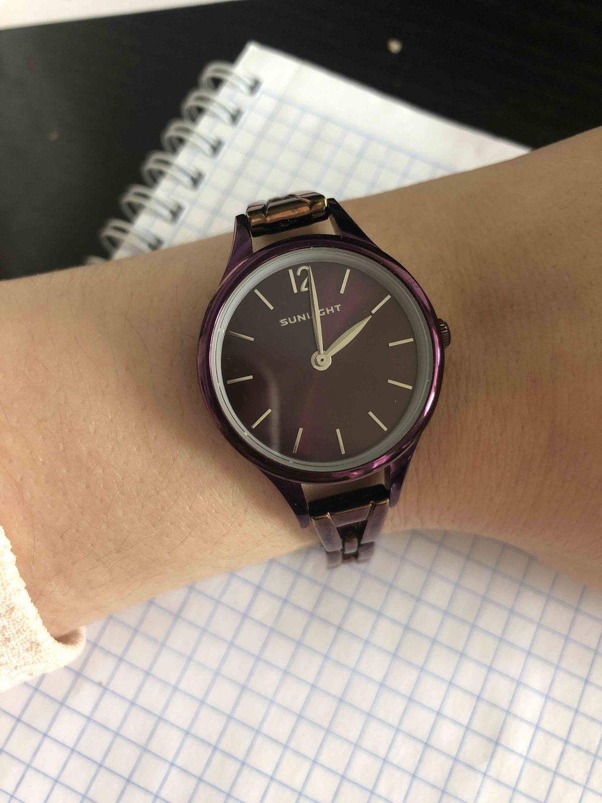 Часы необычного окраса