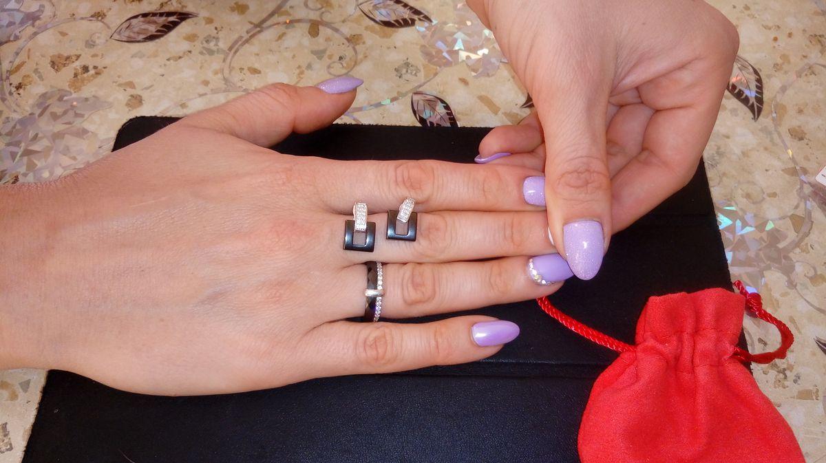 Кольцо из серебра и керамики с фианитами
