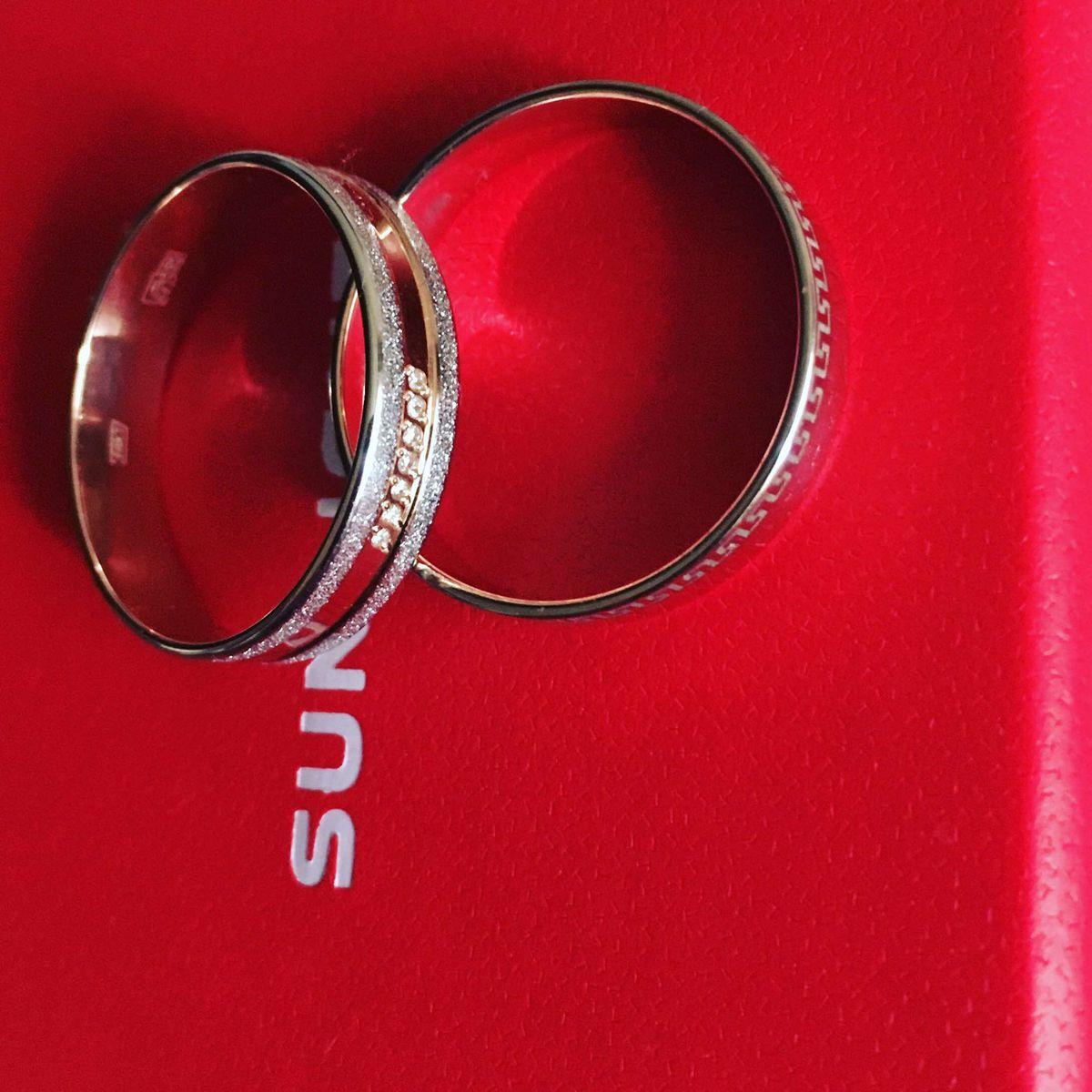 Крутое обручальное кольцо !!!!!