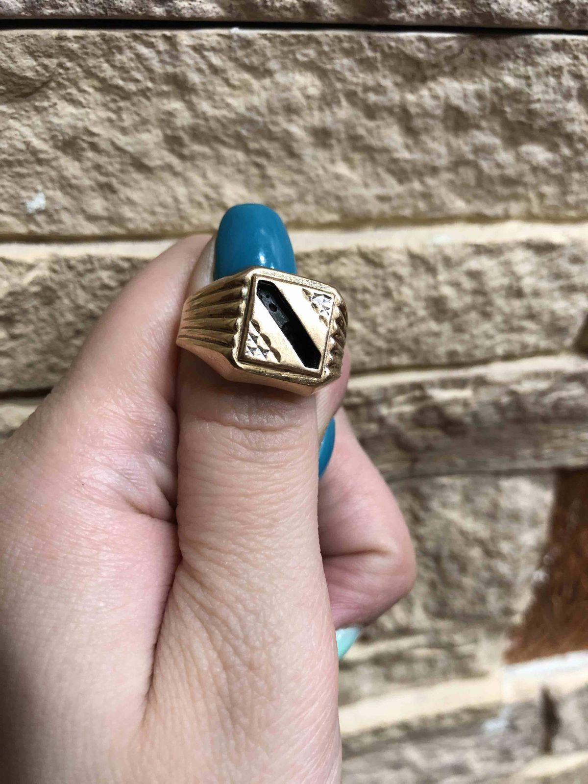 Кольцо купила в подарок