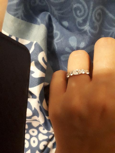 Кольцо на безымянный палец левой руки