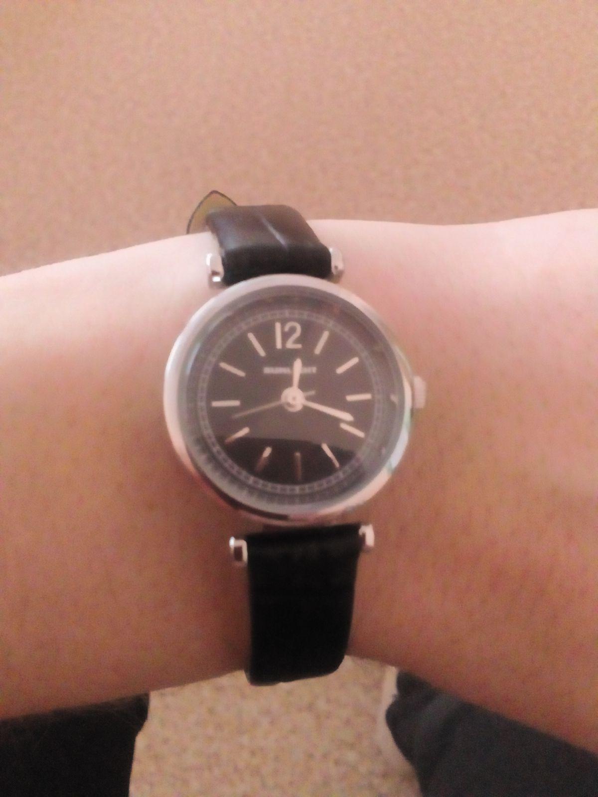 Часы наручные женские стальные