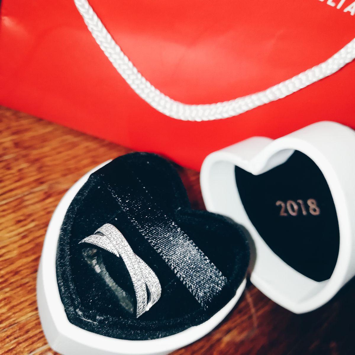 Потрясающее кольцо 😻 очень красиво смотрится на руке😌