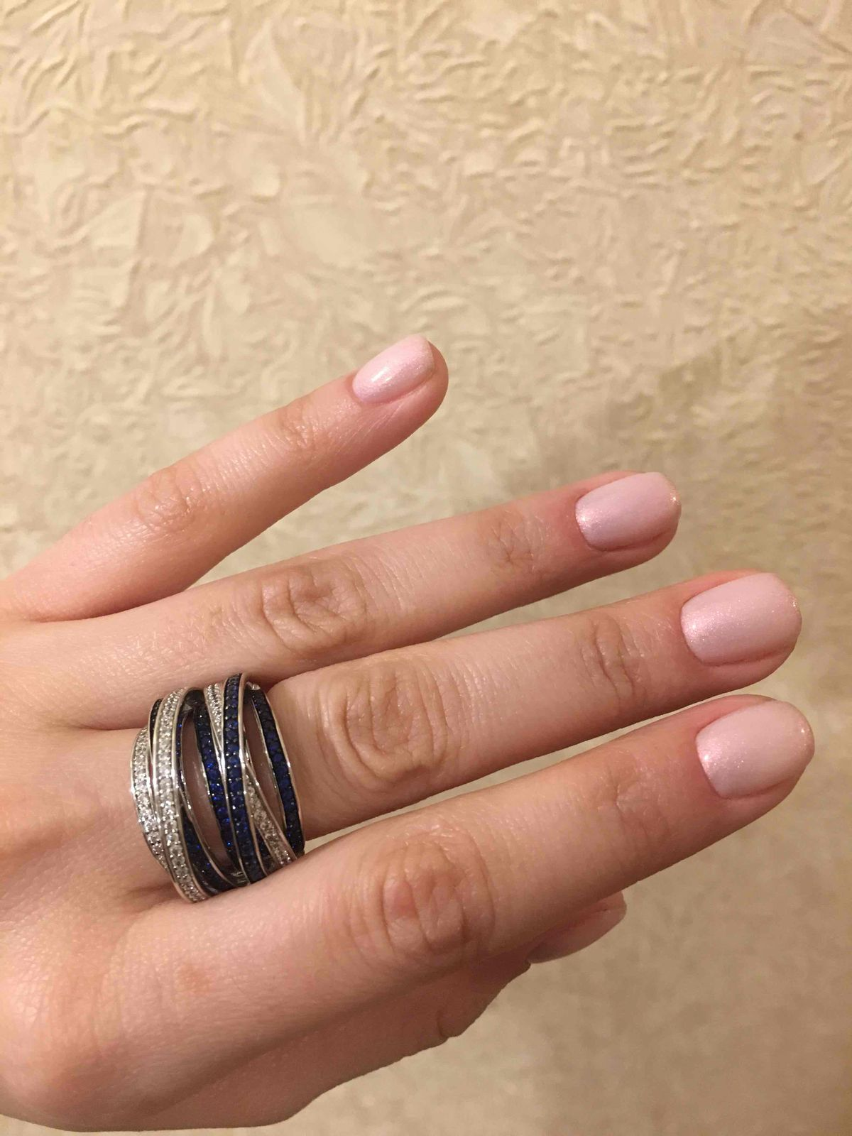 Отличное объемное кольцо!
