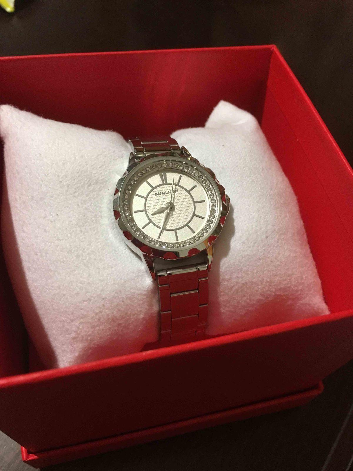 Очень хорошие красивые часы.