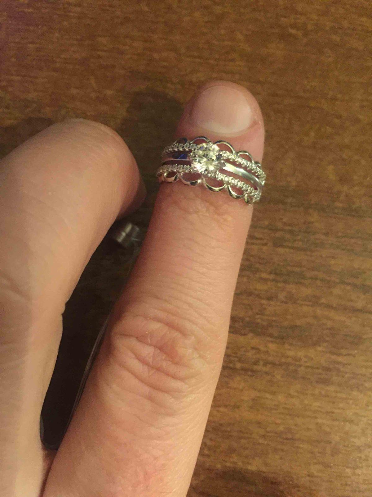 Очень красивое кольцо от соколов.