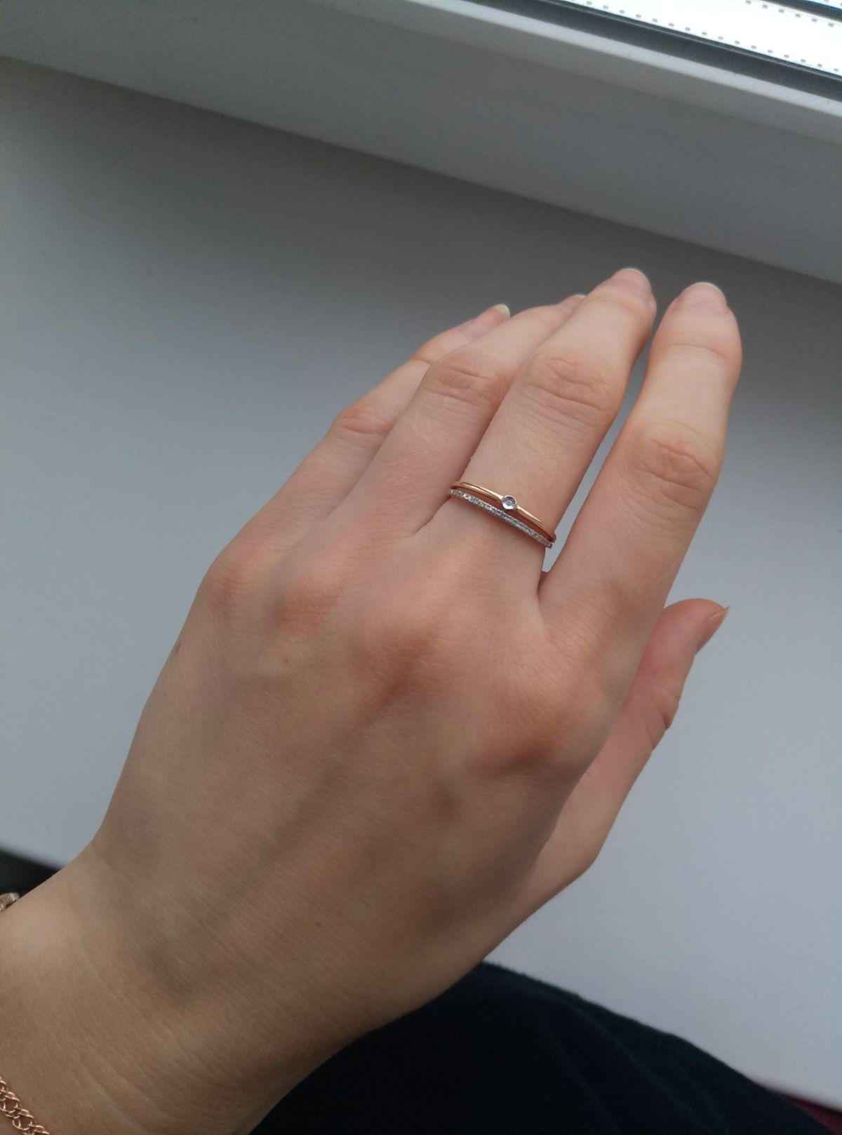 Красивое кольцо с бриллиантами и фианитом