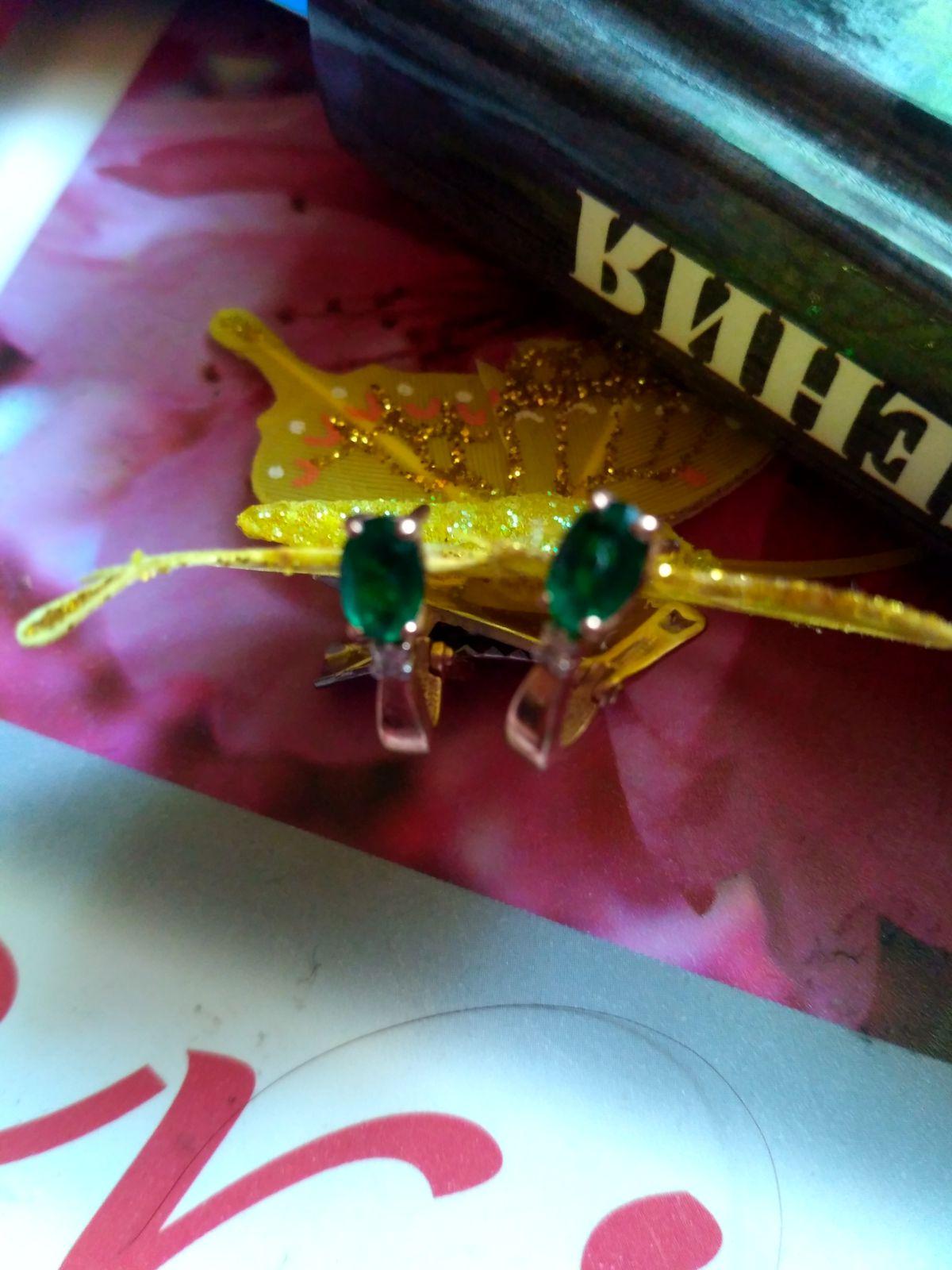 Сережки золотые с изумрудиками и бриллиантиками, очень лёгкие, нежные👑💍📿