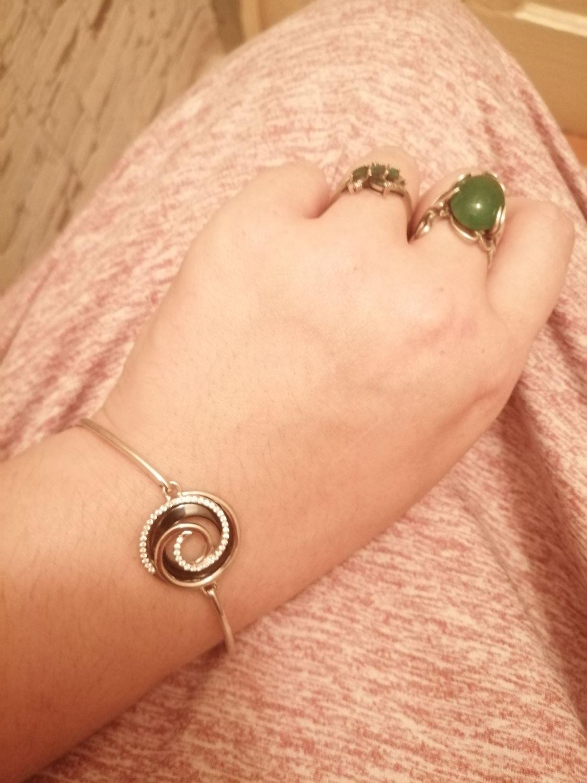 Удивительное красивый браслет