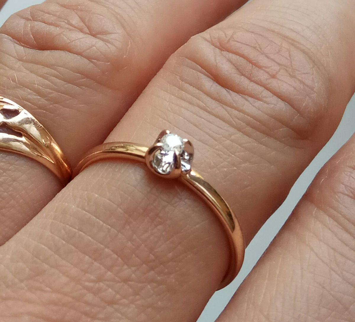 Нежное кольцо с бриллиантом 💍💕