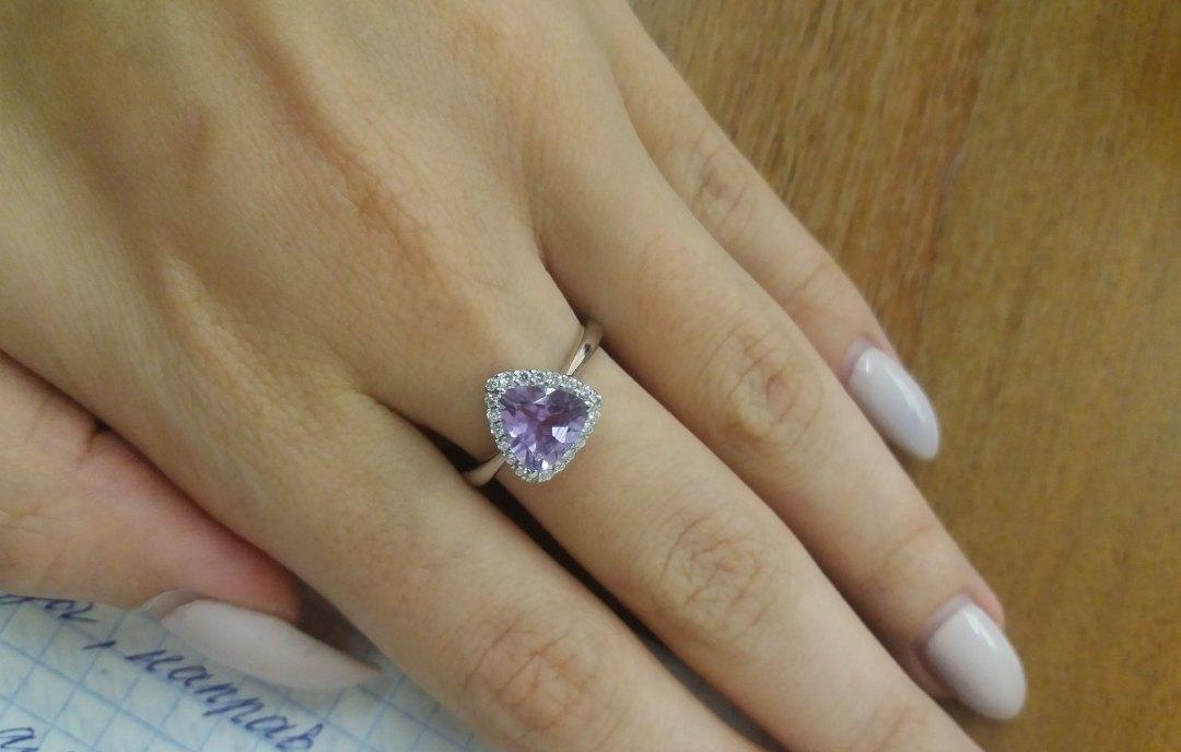 Красивое, нежное кольцо