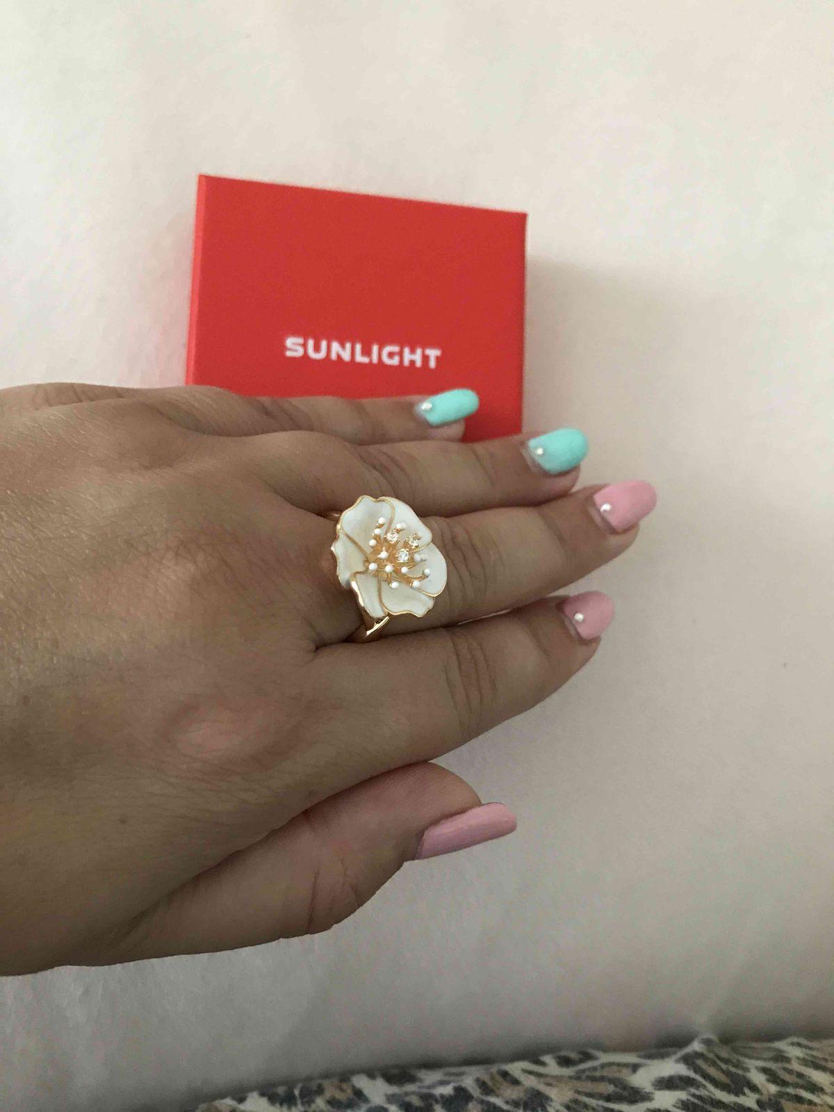 Красивое, серебряное кольцо