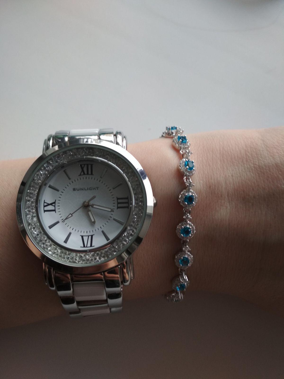 Чудесный браслет с голубыми фианитами