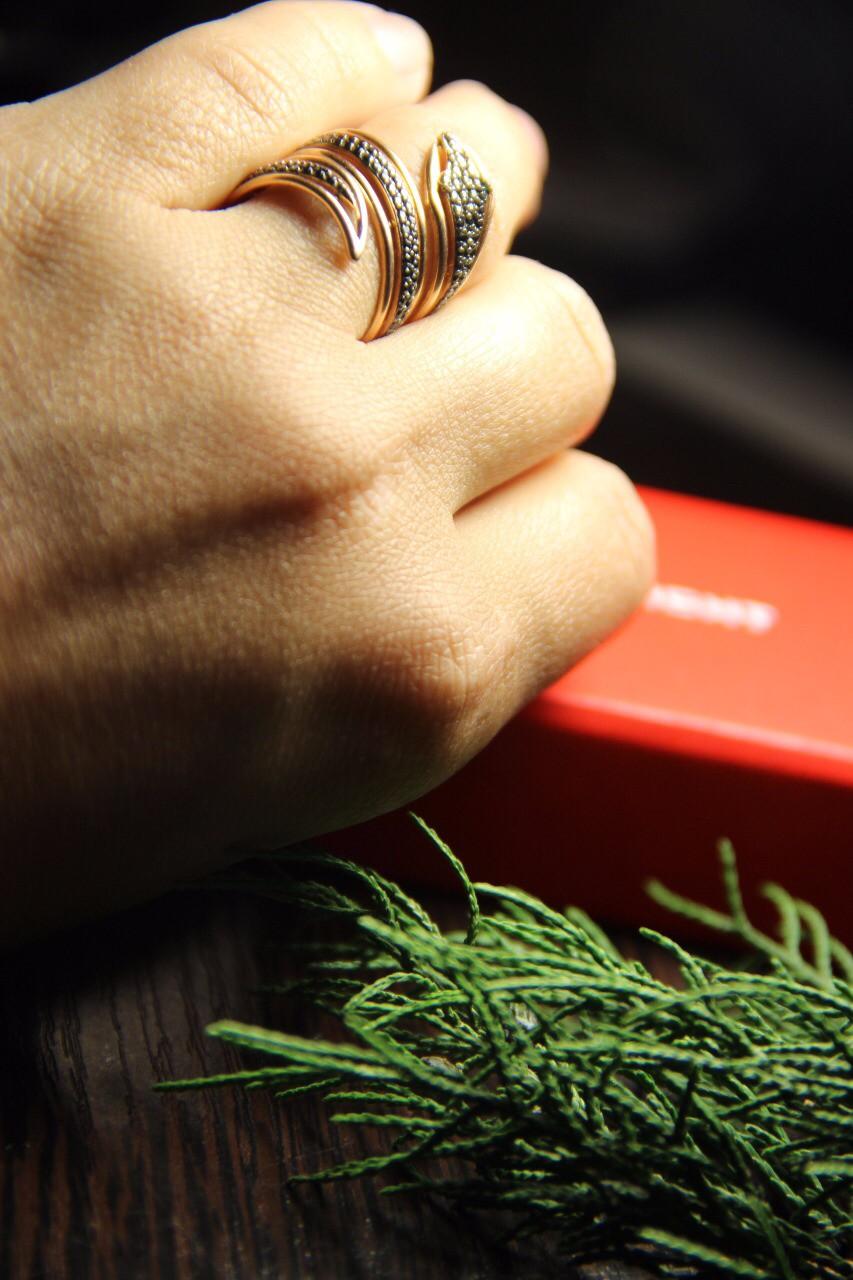 Шикарное кольцо змея