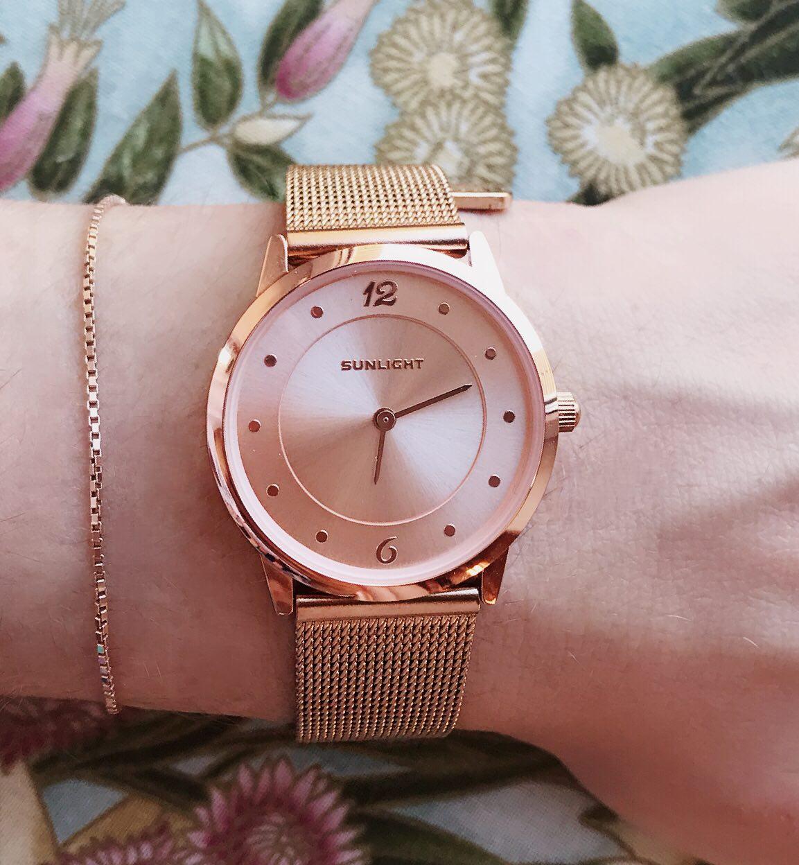 Потрясающие часы rose gold