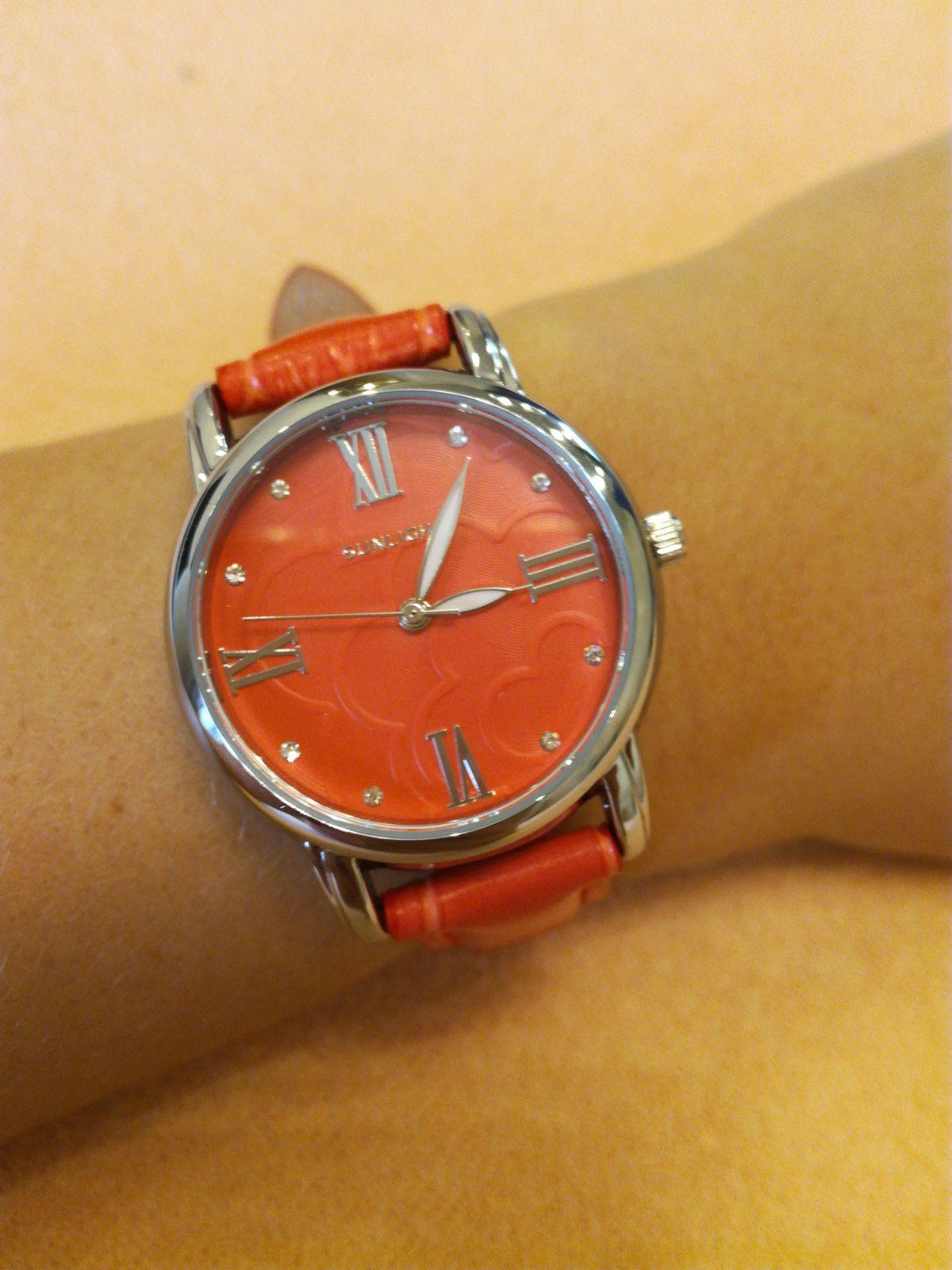 Коралловые часы
