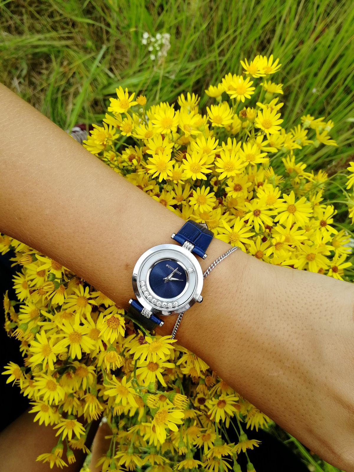 Хорошие красивые часы.