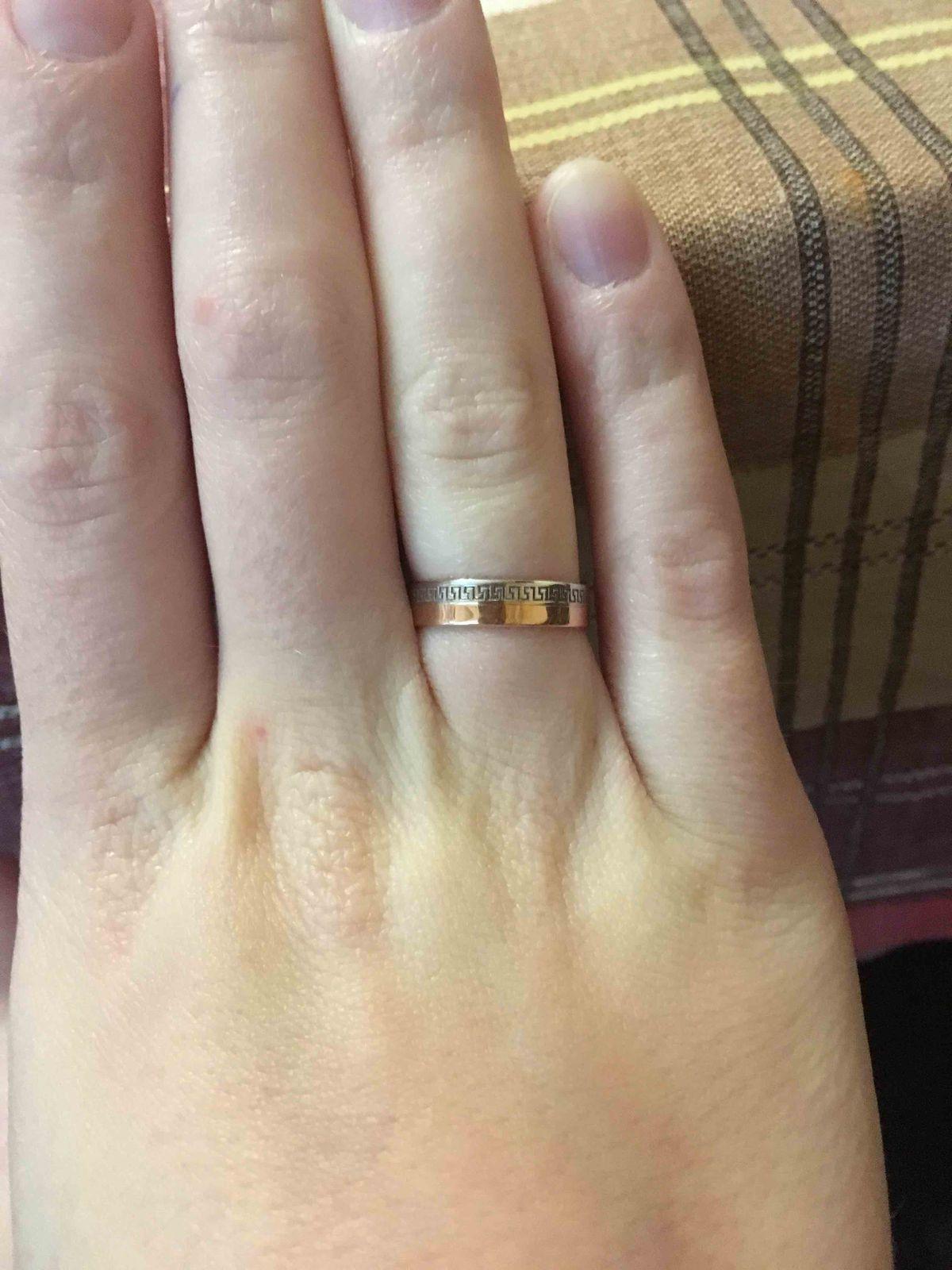 Обручальное кольцо женсое