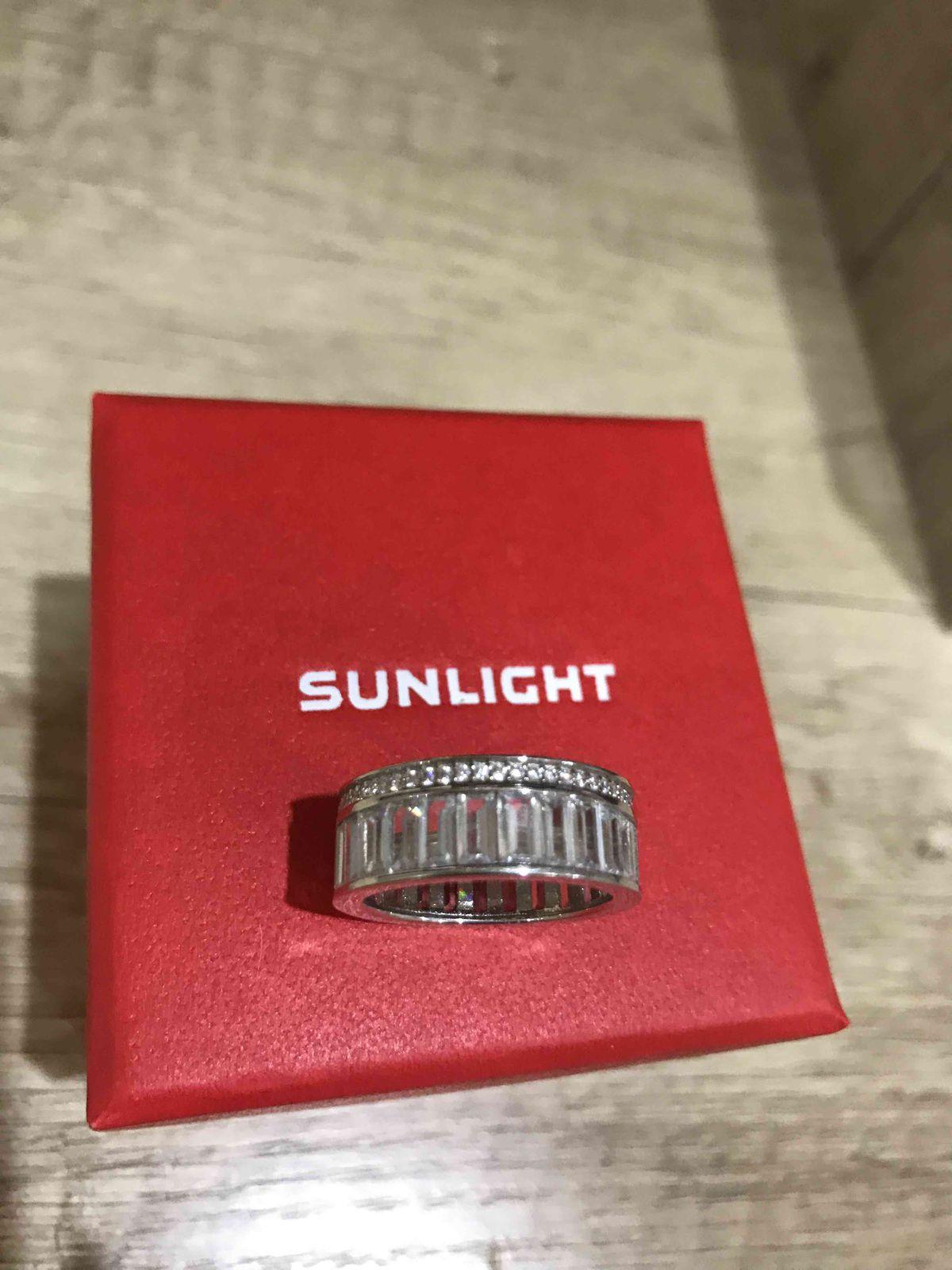 Замечательное кольцо,можно носить отдельно и в комплекте.