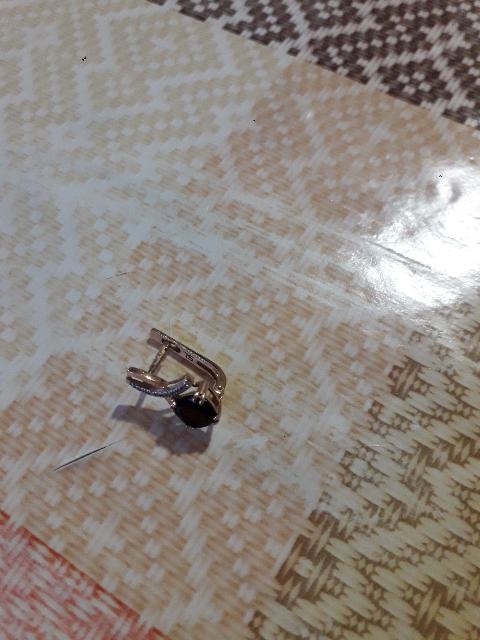 Недавно обменяла старое золото на эти серьги.