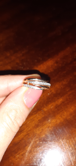 Кольцо с бриллиантами.